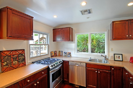 What the Frack? Guest House at Lance Bass Home Has Gas Range