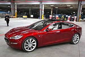 gentry class 300px-Tesla_Model_S_Indoors