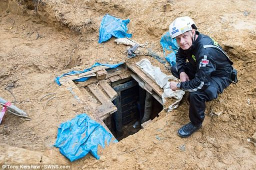 Fractivist Tunnel Opening
